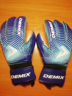 Вратарские перчатки объявление продам