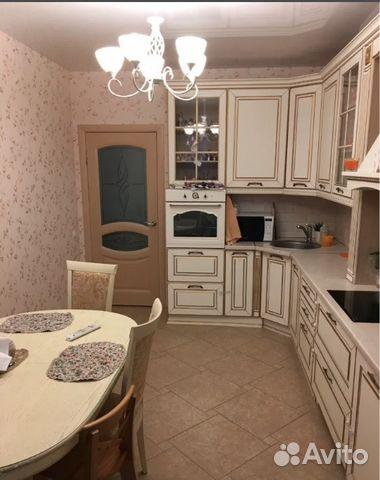 Продается двухкомнатная квартира за 4 600 000 рублей. ул. Молодежная д. 27.