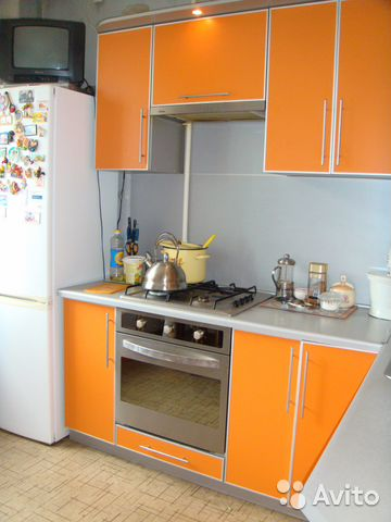 Продается трехкомнатная квартира за 2 849 000 рублей. г Омск, ул Кирова, д 14.