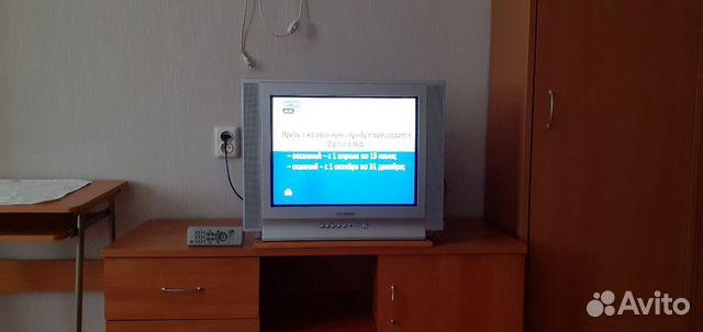 Телевизор все работает,родной пульт  89125372552 купить 1