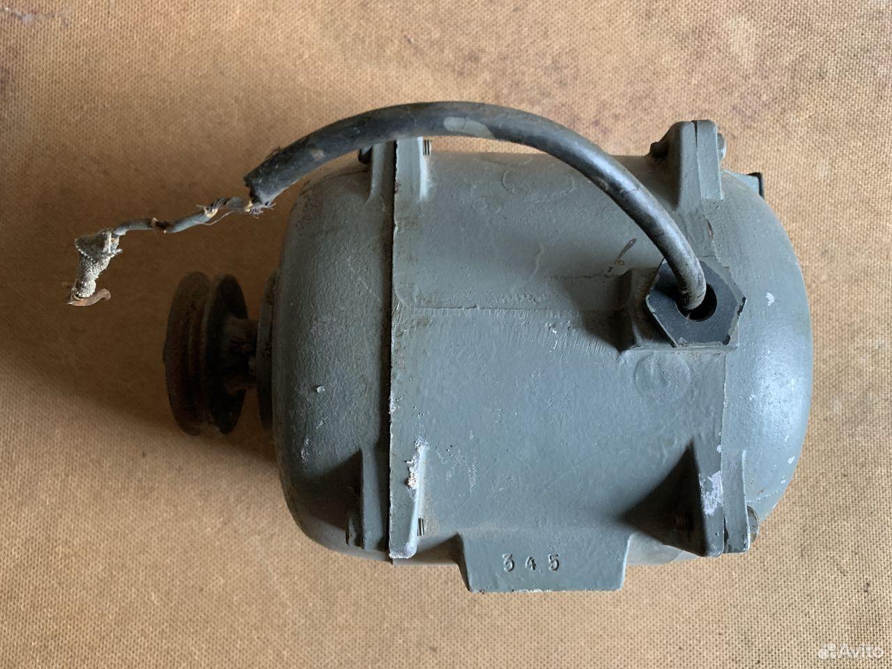 Электродвигатель 220В. Сделано в СССР  89209363066 купить 3