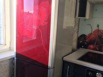 Холодильник LG с цветком на панели